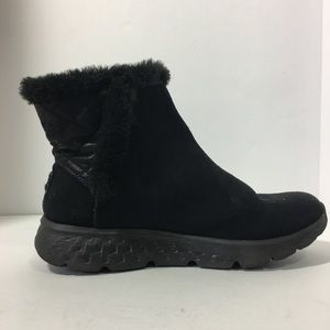 Sketchers Suede Fuzzy Ankle Boots